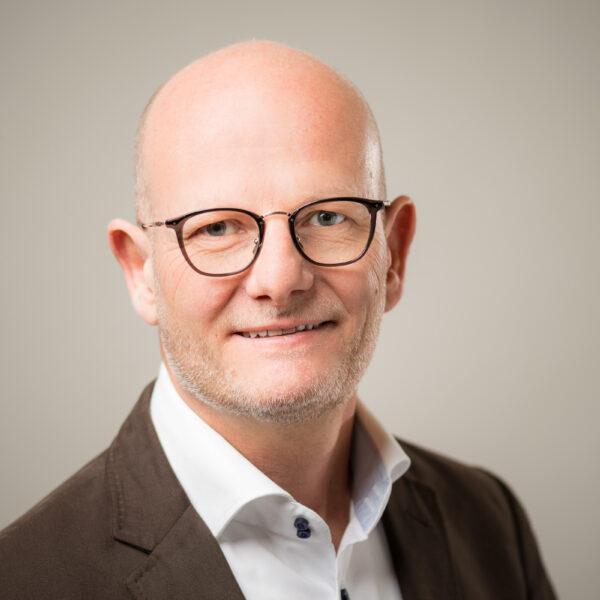 Businessportrait, Porträt, Volz Optik Thun, David Schweizer