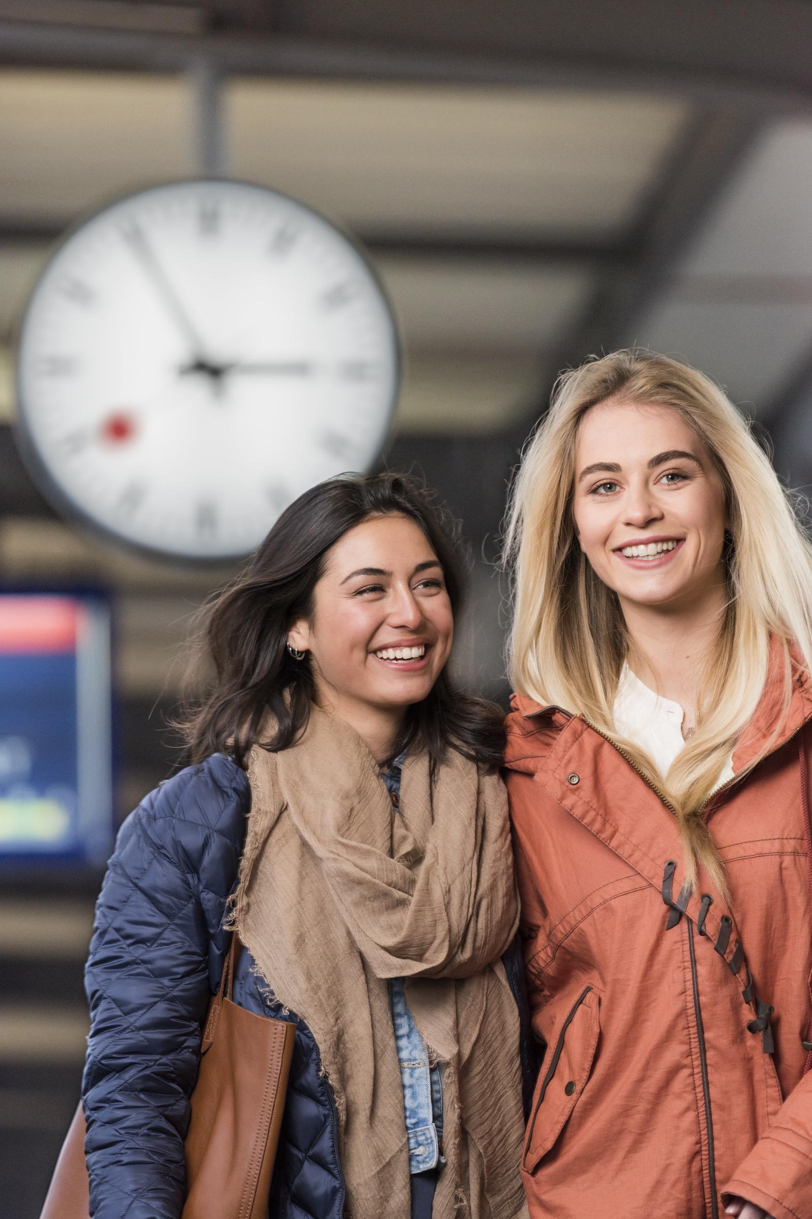 SBB, Schweizerische Bundesbahnen, Imagebilder, Corporatefotografie, Markenführung, Bildsprache; Fotograf David Schweizer, Peoplefotografie, Bahnhofuhr