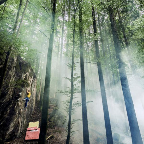 Titelbild Die Alpen, SAC, Bouldern, Kevin Heiniger, Kletterfotograf, Sportfotografie, Klettern, Outdoorfotografie