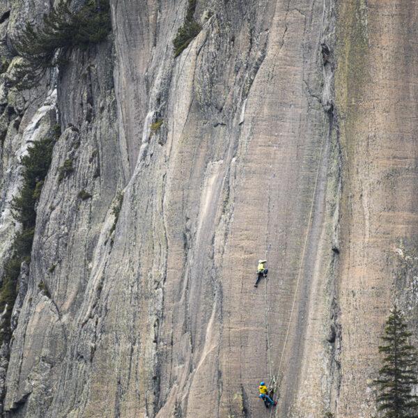 Grimsel, Klettern, Climbing, Sportfotografie, Outdoorsport, Yannick Glatthard, Silvan Schüpbach, Felsklettern, Route Sehnsucht 8a; David Schweizer